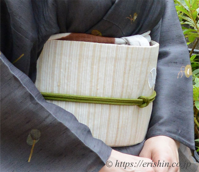 紗紬小紋に刺繍名古屋帯(麦わら帽子と虫取り網)