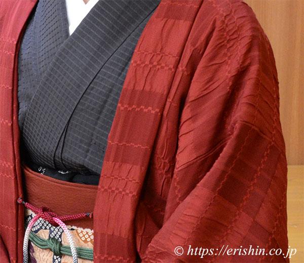 えり新オリジナル羽織りもの「市松on市松」(濃紅色)着姿