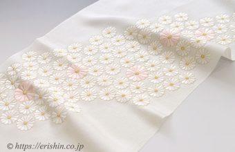 帯揚げ(菊尽くし・刺繍/薄クリーム色・縮緬)