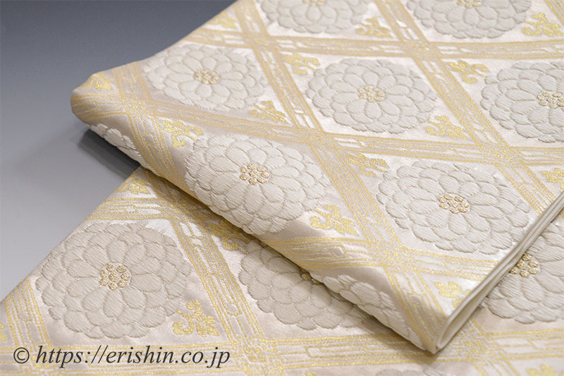 袋帯(菊華菱文/古代摺銀色)