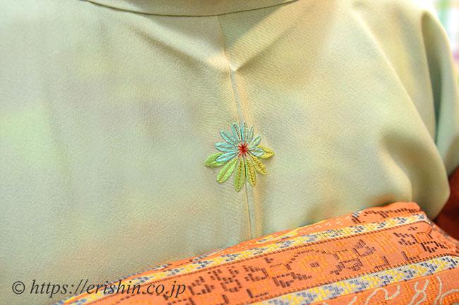 刺繍洒落紋のお誂え「ゆずり葉」ご着用姿