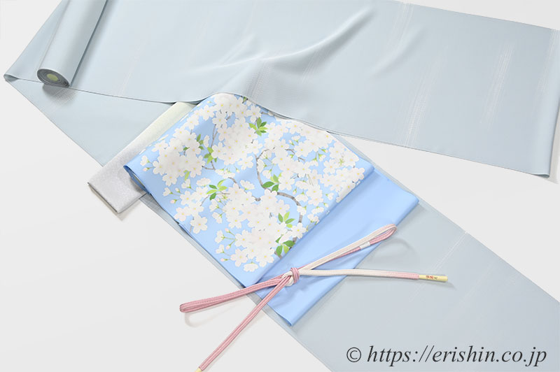 しけ引き小紋(霞)と染名古屋帯(桜)・帯締め帯揚げのコーディネート