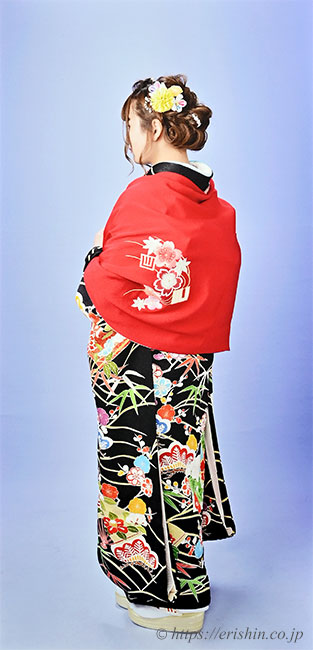 兵庫県km-samaの振袖&ショールの着姿