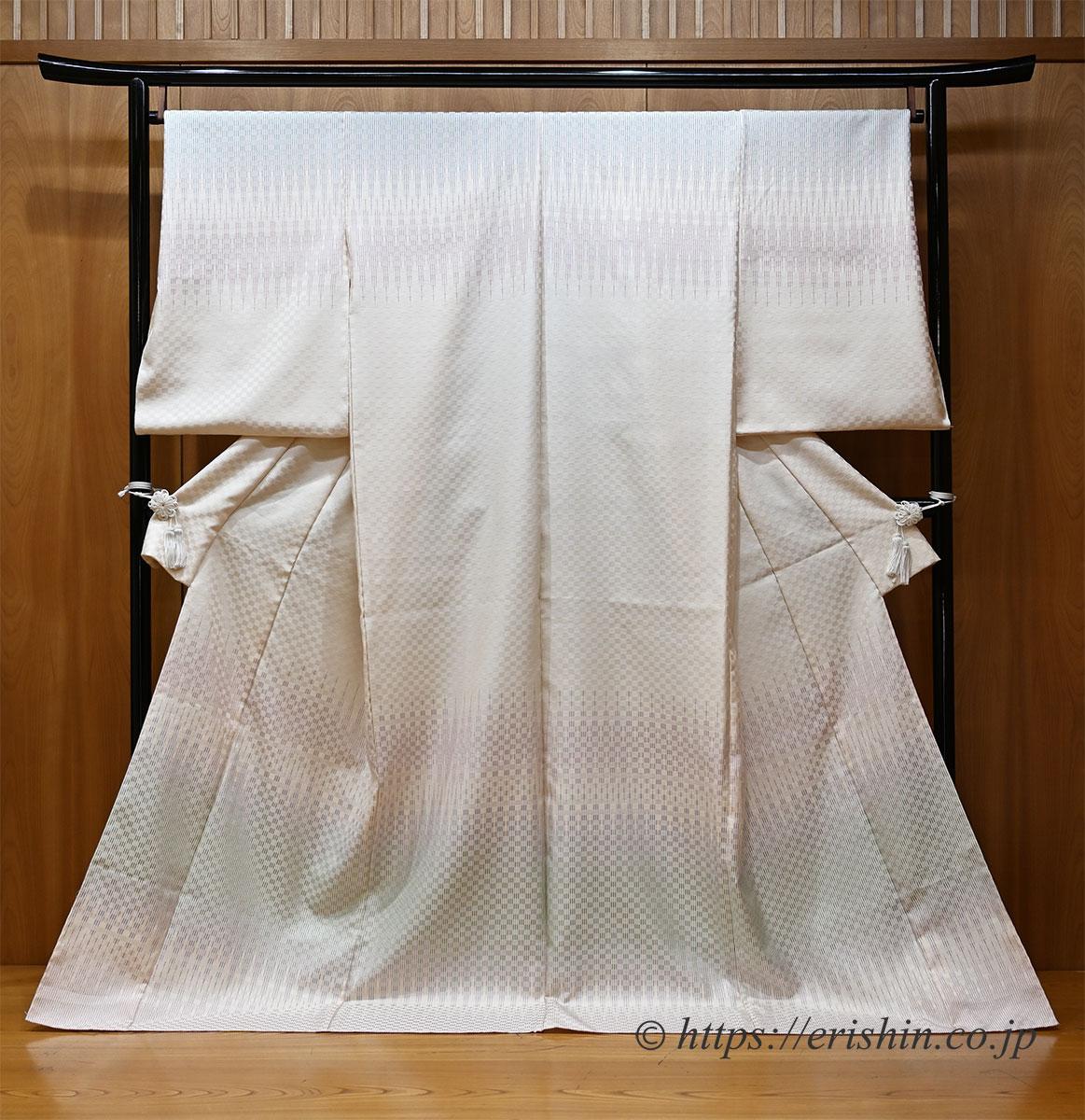 根津美和子・作 市松綾織り訪問着「里山の春」